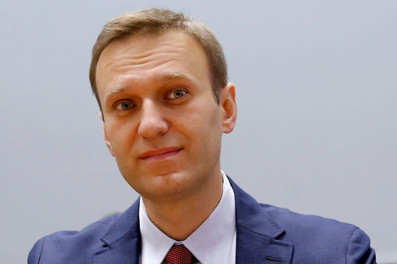 Kremlin critic Navalny on flight from Russia to Germany in coma