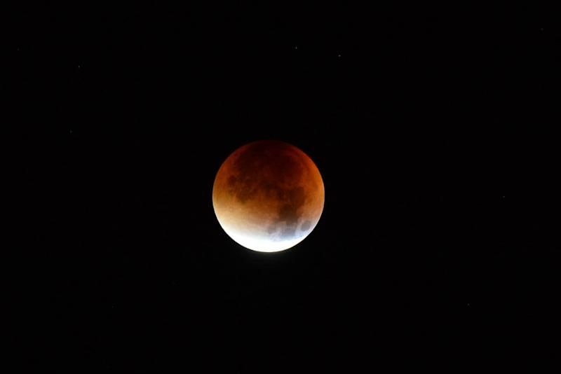 1_3_Supermoon Lunar Eclipse