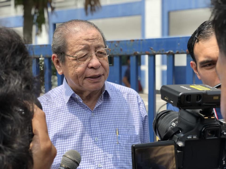 Lim Kit Siang speaks to reporters at the Dang Wangi district police headquarters August 15, 2019. — Picture by Emmanuel Santa Maria Chin