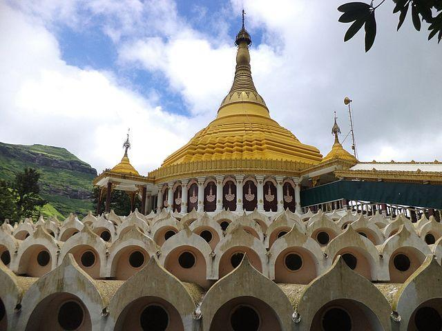 One of the world's largest Vipassana meditation centres, the the Dhamma Giri is co-located with the Vipassana Research Institute at Igatpuri in Maharashtra Image credit: Piyushshelare [CC BY-SA 3.0 (https://creativecommons.org/licenses/by-sa/3.0)]