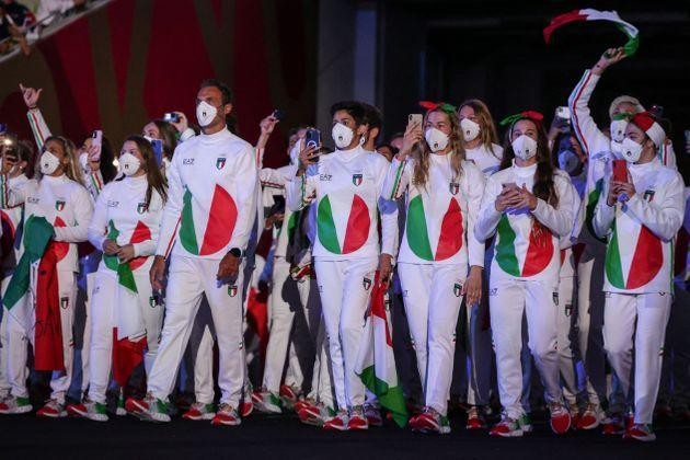 Italy's delegation enters the Olympic Stadium during Tokyo 2020 Olympic Games opening ceremony's parade of athletes, in Tokyo on July 23, 2021. (Photo by HANNAH MCKAY / POOL / AFP) (Photo by HANNAH MCKAY/POOL/AFP via Getty Images) (Photo: HANNAH MCKAY via POOL/AFP via Getty Images)
