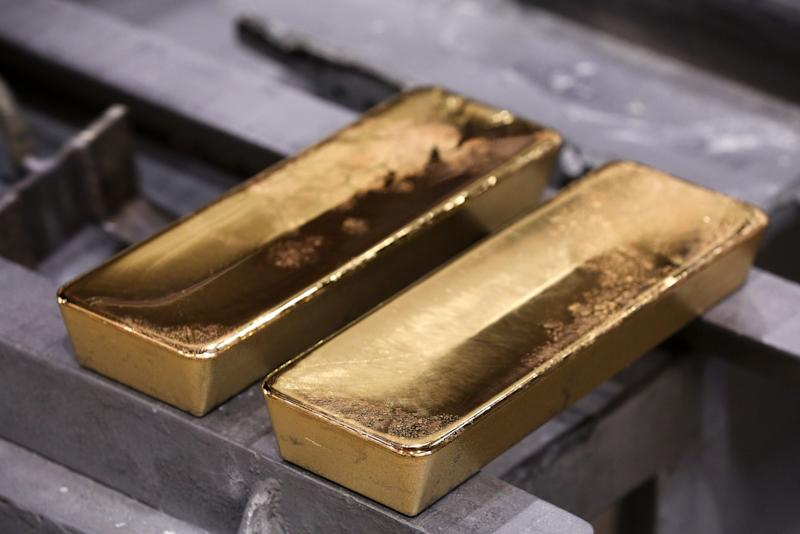 Poland Repatriates 100 Tons of Gold From Bank of England Storage