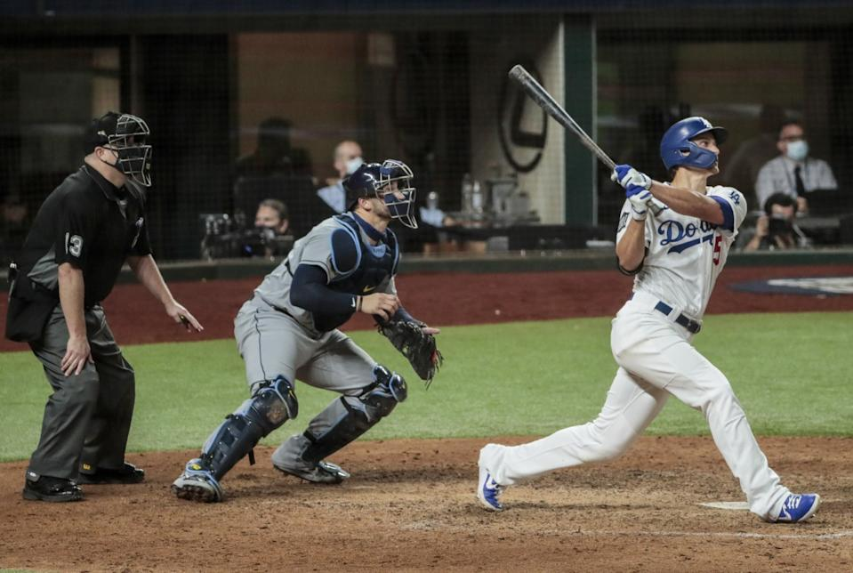 Los Angeles Dodgers shortstop Corey Seager (5) homers in the eighth inning in game two of the World Series