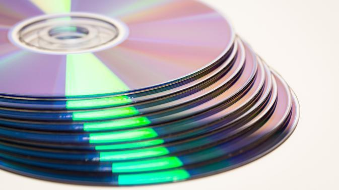 Ilustrasi CD. (Image by Lutz Peter from Pixabay)