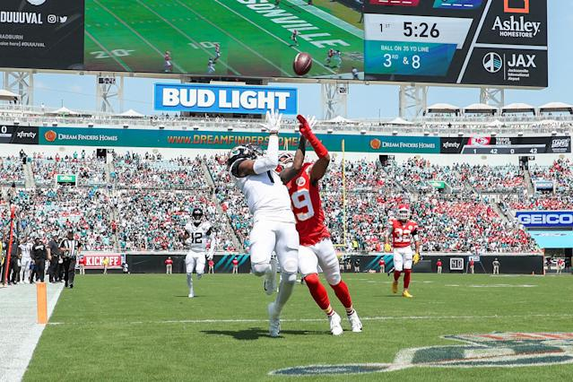 D.J. Chark #17 of the Jacksonville Jaguars catches a pass for a touchdown against Kendall Fuller #29 of the Kansas City Chiefs during the first quarter at TIAA Bank Field on September 08, 2019 in Jacksonville, Florida. (Photo by James Gilbert/Getty Images)