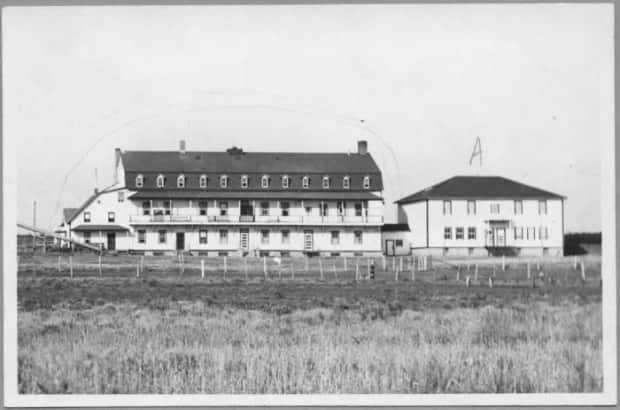 The Ermineskin Residential School in northern Alberta operated between 1895 and 1975. Ground-penetrating radar is now being used to search its grounds for unmarked graves.  (Indian Residential School History and Dialogue Centre/ University of British Columbia - image credit)