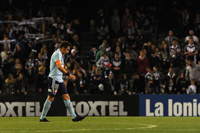 Alessandro Del Piero, shown here playing for Sydney FC in April 2014, says he wants to play on, despite being 39 and without a club (AFP Photo/Mal Fairclough)