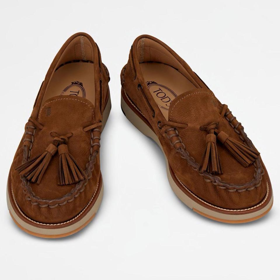 """<p><strong>Tod's</strong></p><p>tods.com</p><p><strong>$695.00</strong></p><p><a href=""""https://go.redirectingat.com?id=74968X1596630&url=https%3A%2F%2Fwww.tods.com%2Fus-en%2Fp%2FXXM02G0EJ906RNS814%2F&sref=https%3A%2F%2Fwww.esquire.com%2Fstyle%2Fmens-fashion%2Fg36368267%2Fbest-new-menswear-may-7-2021%2F"""" rel=""""nofollow noopener"""" target=""""_blank"""" data-ylk=""""slk:Shop Now"""" class=""""link rapid-noclick-resp"""">Shop Now</a></p><p>Take a loafer. Now throw some chunky soles, a few tassels, and no small measure of expert craftsmanship into the mix. <em>Et voila.</em> </p>"""