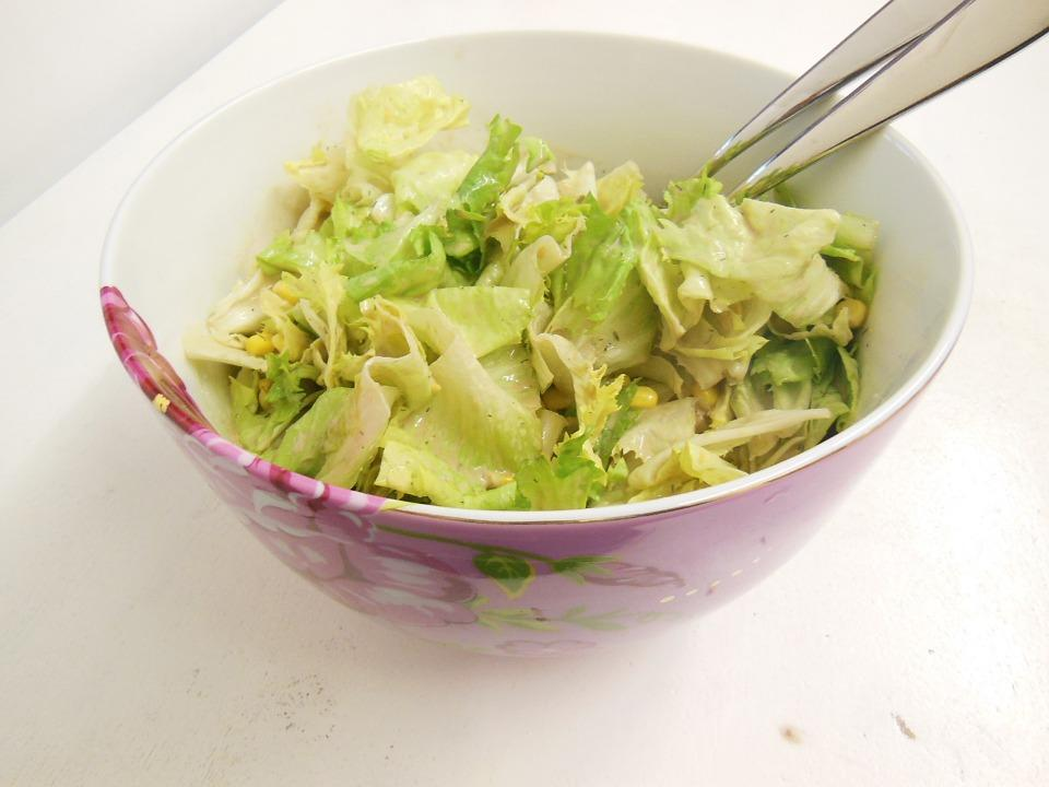 The basic of all, this one is simple to make if you are too lazy to cook anything. Just cut some cabbage, add in a few veggies of your liking, add in some sesame seeds or or even apples, mix with a little bit of olive oil, vinegar and lemon. Add salt for taste and enjoy this yummy salad.
