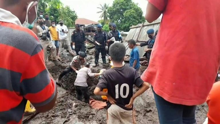 Indonesia continues search for missing after devastating floods