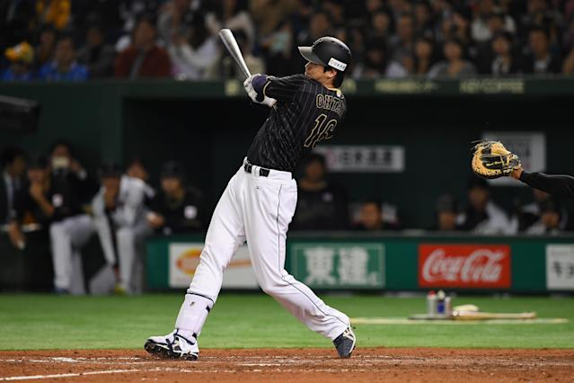Shohei Ohtani hopes to hit and pitch in the majors. (Getty Images)