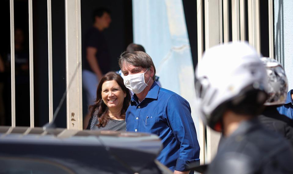 Brazil's President Jair Bolsonaro visits Bia Kicis, Federal deputy of Social Liberal Party (PSL), amid the coronavirus disease (COVID-19) outbreak, in Brasilia Brazil July 25, 2020. REUTERS/Adriano Machado