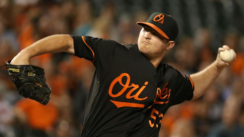 Orioles closer Zach Britton sets AL record with latest save