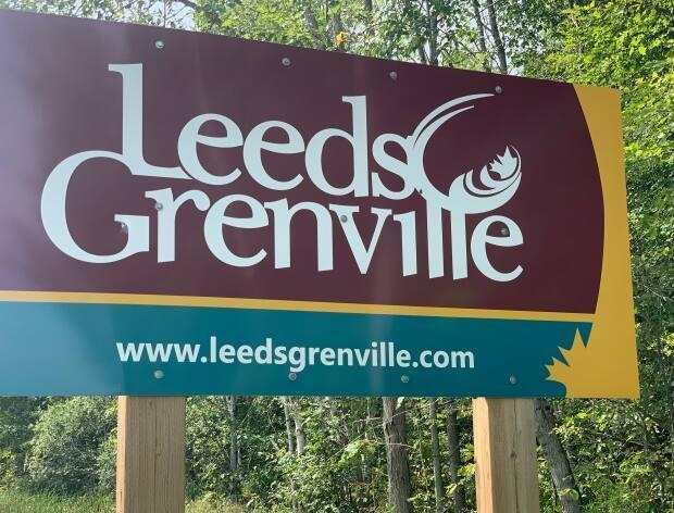 A road sign welcomes drivers to Leeds and Grenville. The local health unit, which also includes parts of Lanark County, says it's the first in the province to have 90 per cent of its eligible residents fully vaccinated against COVID-19. (Kate Porter/CBC - image credit)