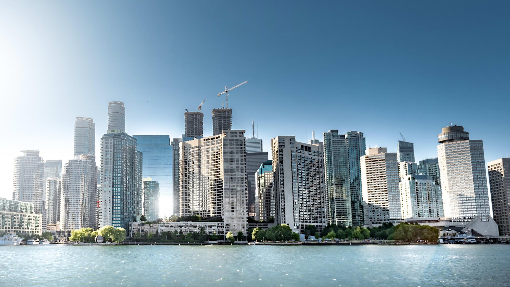 Canada's housing market: Toronto and Vancouver mirror each other