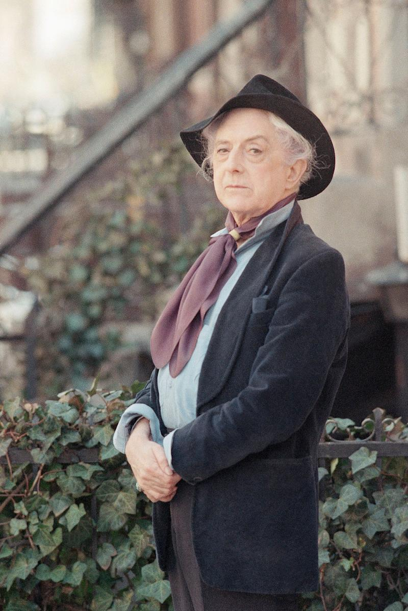 British actor and author Quentin Crisp photographed in 1989. (Photo: ASSOCIATED PRESS)