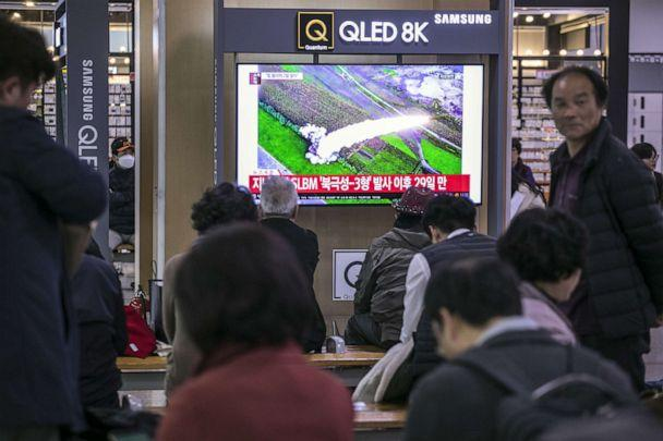 PHOTO: People watch a television broadcast reporting the North Korean missile launch at the Seoul Railway Station on Oct. 31, 2019 in Seoul, South Korea. (Woohae Cho/Getty Images)