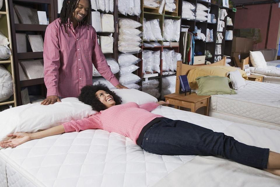 <p>While there are tons of online mattress companies that sell either direct to consumer and through Amazon a lot of people prefer to test their mattress out in-person before making the expensive purchase.</p>