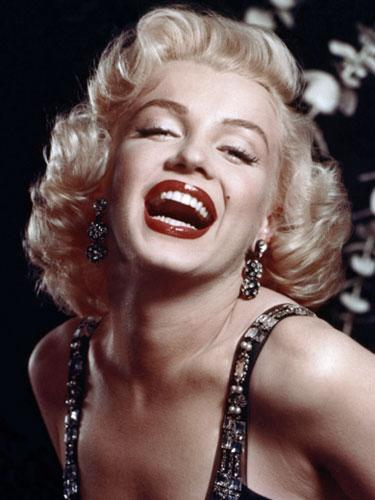 "<div class=""caption-credit""> Photo by: Michael Ochs Archives/Getty</div><div class=""caption-title"">Marilyn Monroe</div>Marilyn Monroe may not have been Hollywood's first platinum goddess, but few would argue that she was the most memorable. Marilyn's sexy white-blonde curls personified glamour in the 1950s, and have since been imitated by many celebrities including Madonna, Anna Nicole Smith, Gwen Stefani, Christina Aguilera, and Scarlett Johansson. <br> <br> <b><a rel=""nofollow"" target=""_blank"" href=""http://www.goodhousekeeping.com/beauty/hair/celebrity-hairstyles-bobs#slide-1?link=rel&dom=yah_life&src=syn&con=blog_goodhousekeeping&mag=ghk"">Related: Celebrity Bob Hairstyles</a></b> <br>"