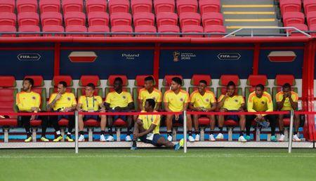 Soccer Football - World Cup - Colombia Training - Kazan Arena, Kazan, Russia - June 23, 2018   Colombia players before training   REUTERS/John Sibley