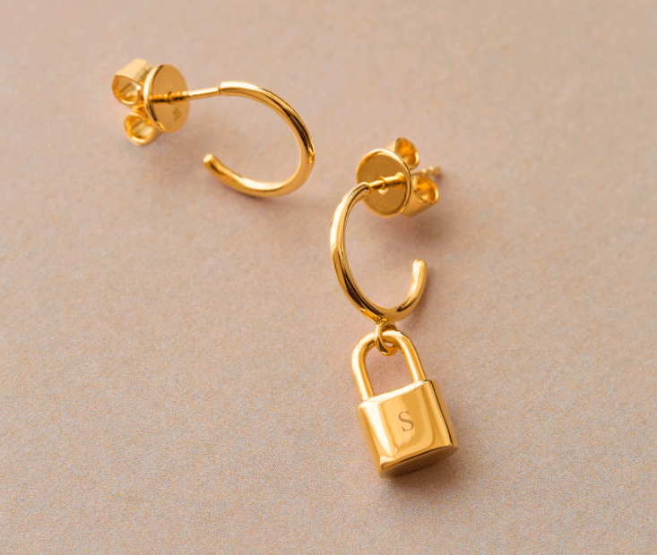 """<br><br><strong>P D Paola</strong> Bond Gold Earrings, $, available at <a href=""""https://www.pdpaola.com/products/personalized-bond-gold-earrings"""" rel=""""nofollow noopener"""" target=""""_blank"""" data-ylk=""""slk:P D Paola"""" class=""""link rapid-noclick-resp"""">P D Paola</a>"""