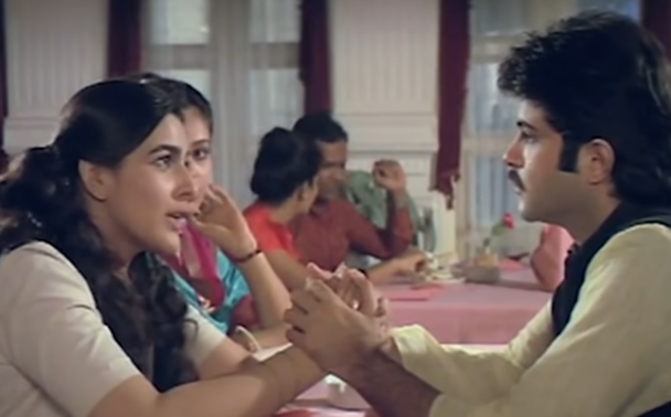 Amrita Singh and Anil Kapoor star in this uproarious comedy about two lovers who must overcome family opposition to be together.