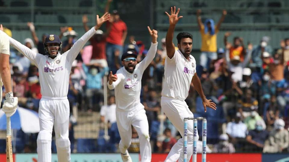 India vs England, 2nd Test: Visitors lose four wickets