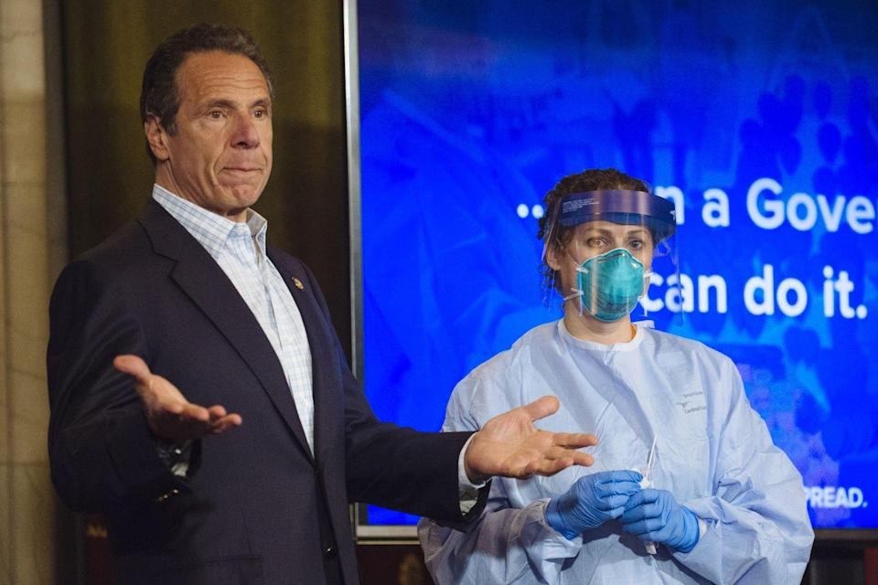 Cuomo Says Colleges With Outbreaks May Have to Go Remote