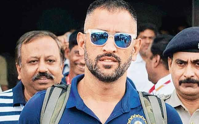 Not a theft after all: Firefighter took MS Dhoni's phones by mistake during Delhi fire rescue