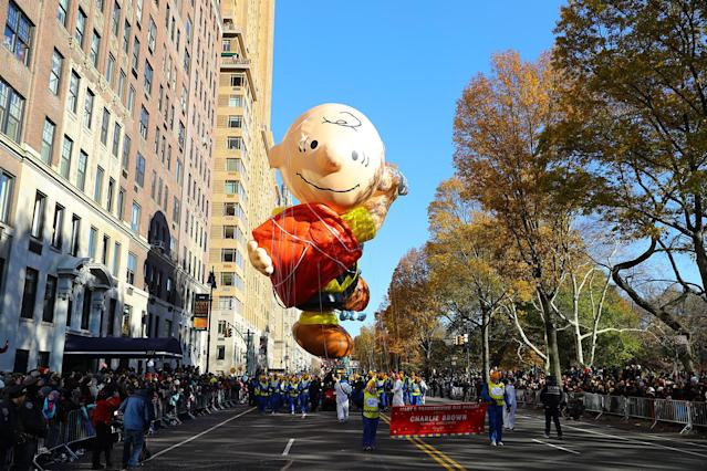 <p>Good grief! the Charlie Brown balloon looks all tangled up in that kite during the 91st Macy's Thanksgiving Day Parade in New York, Nov. 23, 2017. (Photo: Gordon Donovan/Yahoo News) </p>