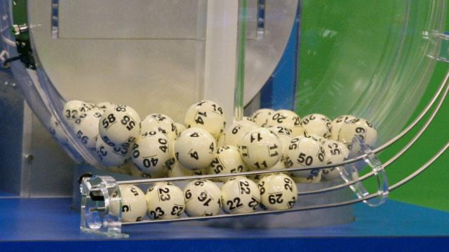 2 Towns Hint at Powerball Winners (ABC News)