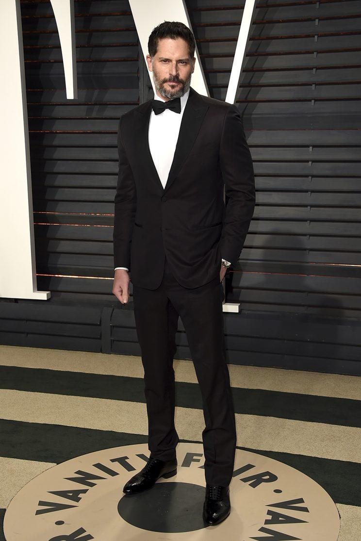 Joe Manganiello arrives at the Vanity Fair Oscar Party