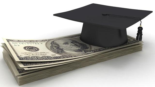 Strangled by Debt, Grads Await Congress' Solution on Loan Rates