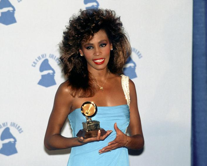 Whitney Houston Wins A Grammy (Michael Ochs Archives / Getty Images)