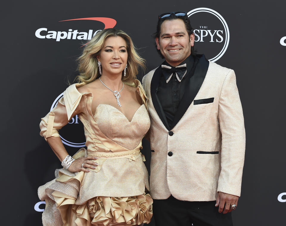 Johnny Damon and his wife dressed up at the ESPYs