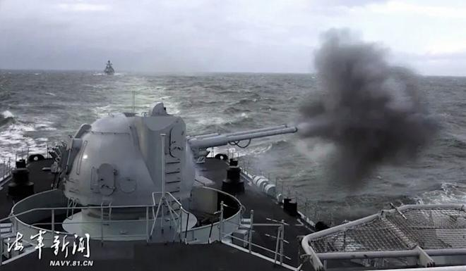 """The exercise simulated a """"sudden encounter with the enemy in the air and on the surface"""", the East Sea Fleet said. Photo: Navy.81.cn"""