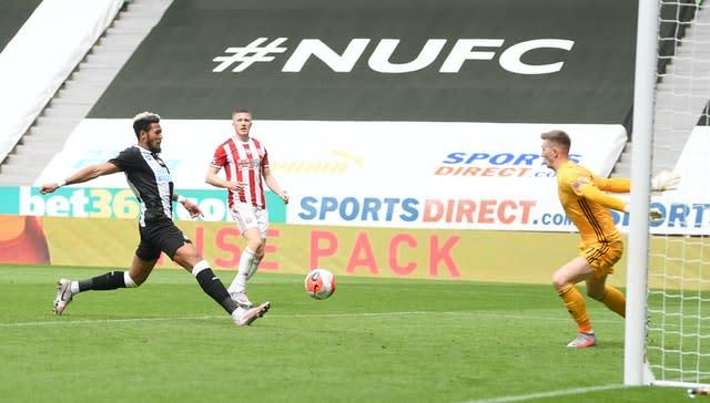 Joelinton wraps up victory for Newcastle against Sheffield United (Michael Regan/NMC Pool)
