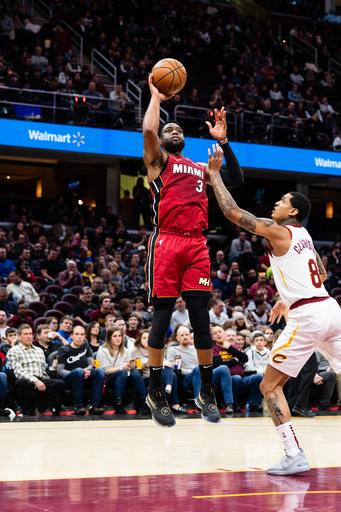 6a846eda236 Winslow scores 27, leads Heat past Cavaliers 100-94