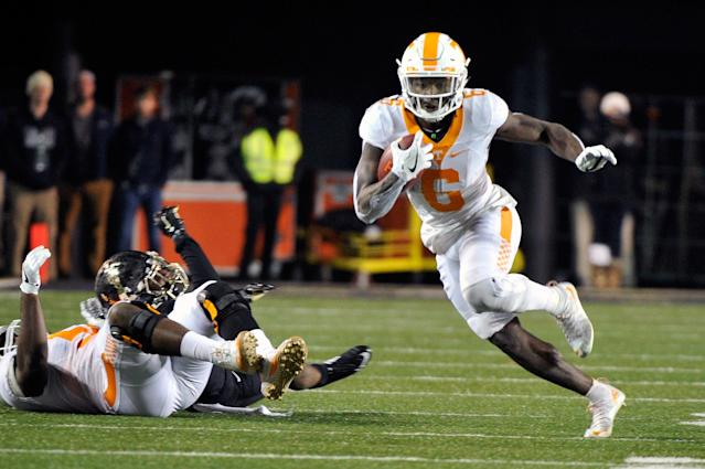 "<a class=""link rapid-noclick-resp"" href=""/nfl/players/30180/"" data-ylk=""slk:Alvin Kamara"">Alvin Kamara</a> said he went into games at Tennessee not knowing how he'd be utilized. (Getty)"