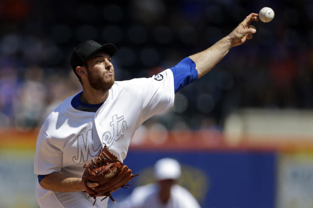 Steven Matz of the New York Mets pitches during the first inning against the Atlanta Braves on Sunday. (Getty)