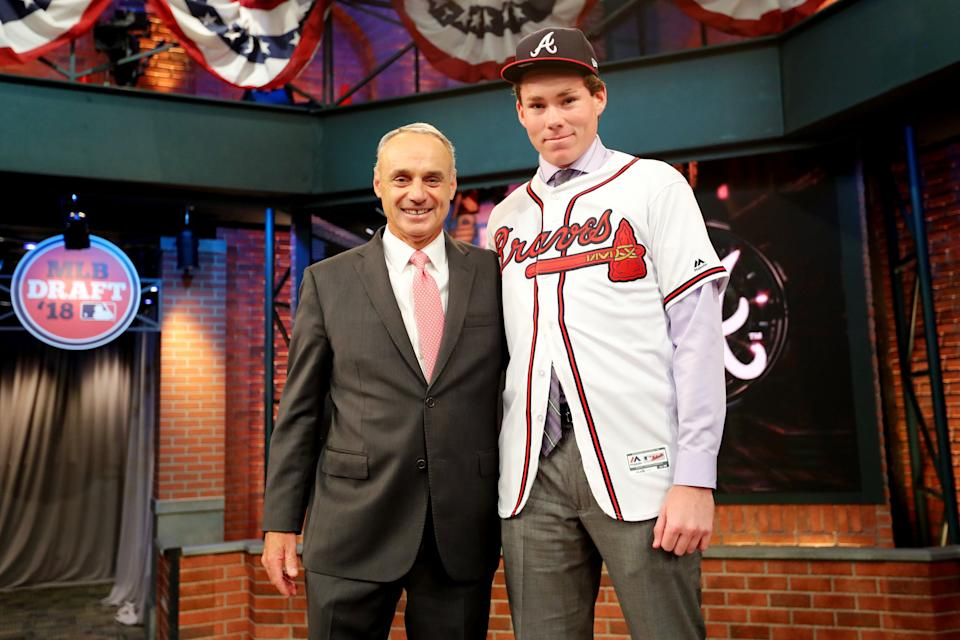 SECAUCUS, NJ - JUNE :  Major League Baseball Commissioner Robert D. Manfred Jr. poses for a photo with eighth overall selection in the 2018 MLB Draft Carter Stewart during the 2018 Major League Baseball Draft at Studio 42 at the MLB Network on Monday, June 4, 2018 in Secaucus, New Jersey. (Photo by Alex Trautwig/MLB Photos via Getty Images)
