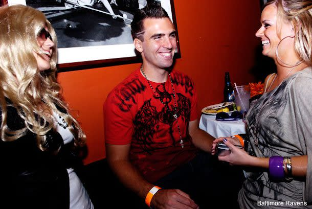 newest collection 5d6b8 bb6a7 Joe Flacco dresses up like 'Jersey Shore' star for Halloween