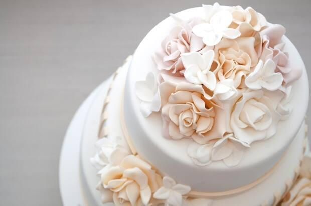 Last week, the capacity limits forindoor weddings increased dramaticallywhen Ontario entered Step 3 of its COVID-19 reopening plan. ( Alexander_DG/Shutterstock  - image credit)
