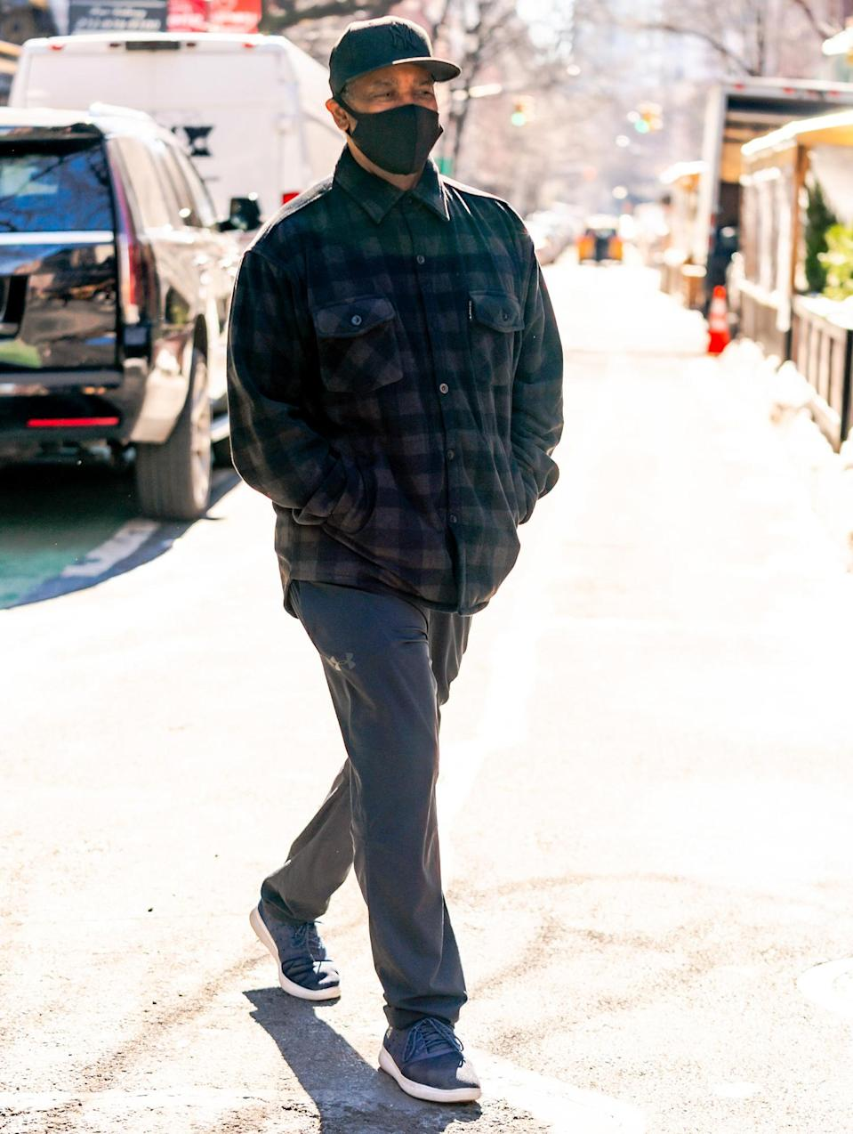 <p>Director Denzel Washington is seen on the set of <em>Journal for Jordan</em> for the first time in N.Y.C. on Wednesday.</p>