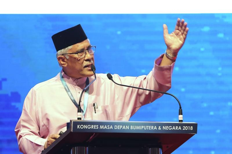 Tan Sri Abu Kassim Mohamed speaks during the Congress on the Future of Bumiputera and the Nation at the Kuala Lumpur Convention Centre September 1, 2018. — Picture by Yusof Mat Isa