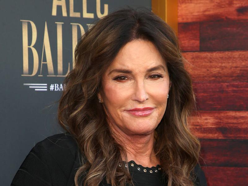 Caitlyn Jenner jokes about transition during Alec Baldwin Roast