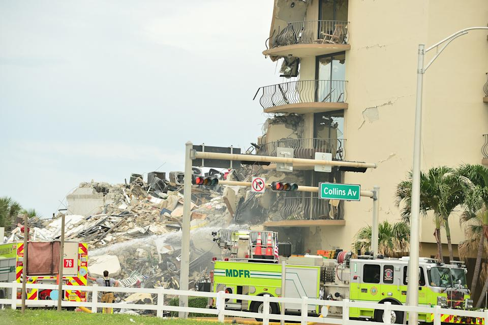 Search and Rescue personnel work after the partial collapse of the 12-story Champlain Towers South condo building in Florida. Source: Sipa USA