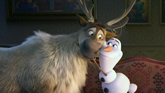 Olaf and Sven buddy up in <em>Frozen 2</em>. (Photo: Walt Disney Studios Motion Pictures / courtesy Everett Collection)