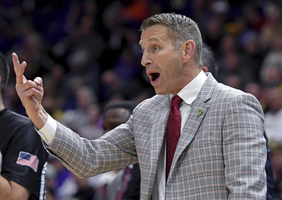 Alabama coach Nate Oats yells to his team during a college basketball game against LSU on Jan. 29. (AP)
