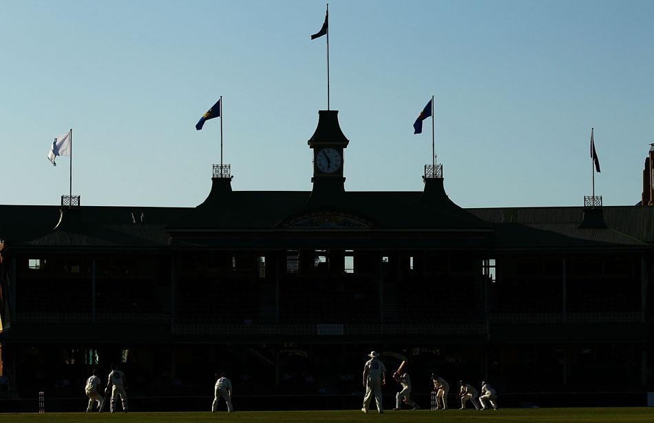 SYDNEY, AUSTRALIA - NOVEMBER 12:  A general view of play in front of the Members Stand during day three of the Sheffield Shield match between the New South Wales Blues and the Victorian Bushrangers at the Sydney Cricket Ground on November 12, 2010 in Sydney, Australia.  (Photo by Matt King/Getty Images)